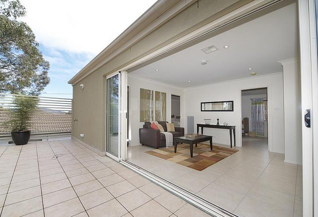 25 Rosenthal Street, Campbell ACT 2612 - House for Rent