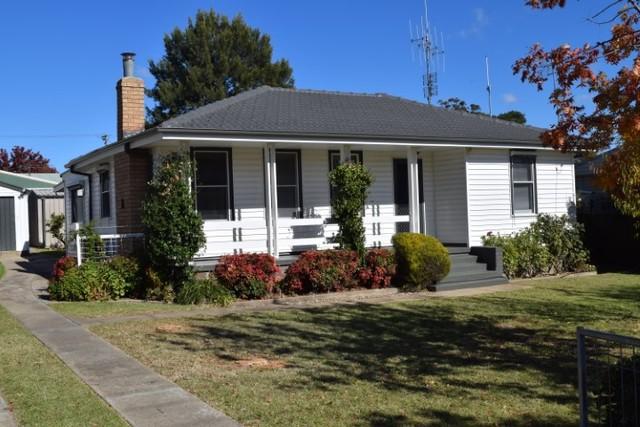 27 Pollux Street, Yass NSW 2582