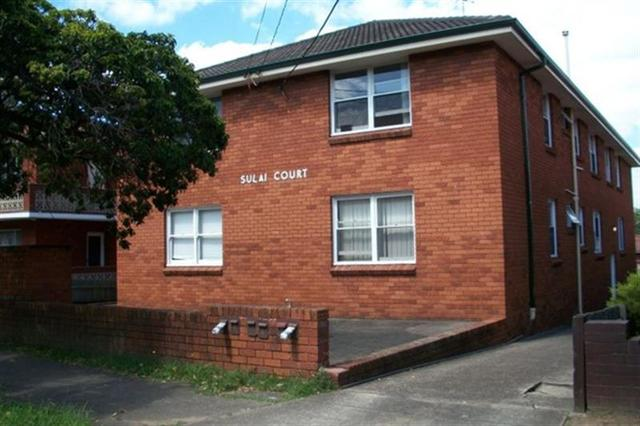 2/8 Queensborough Road, Croydon Park NSW 2133