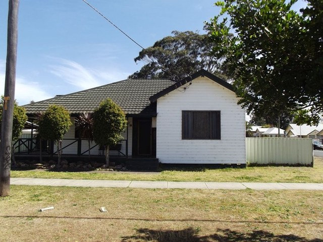 82 Station Street, Weston NSW 2326