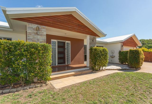 11 Seaspray Close, Shoal Point QLD 4750