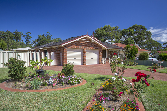 19 Lakewood Grove, Burrill Lake NSW 2539