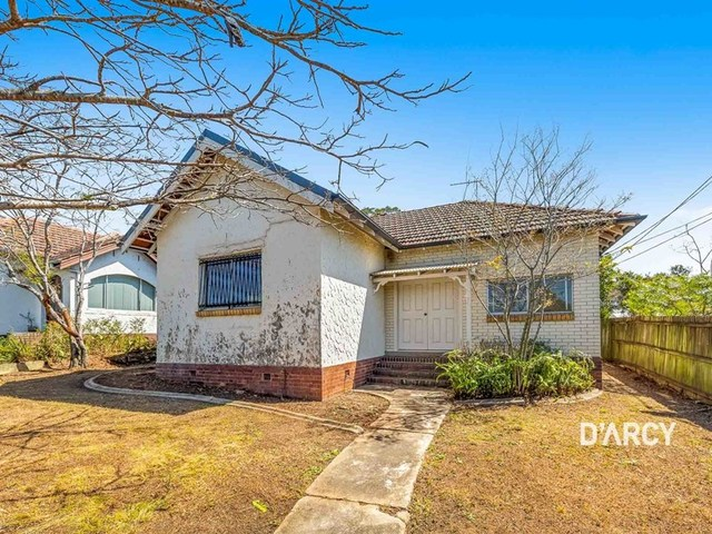 6 Lind Street, Newmarket QLD 4051