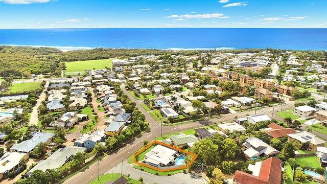8 Browning Bvd, Battery Hill QLD 4551