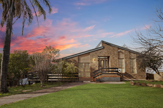 33 Lawford Crescent, Griffith NSW 2680