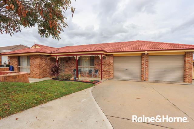 14 Barker Circuit, Kelso NSW 2795