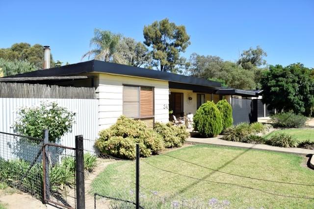 34 Brundah Street, Grenfell NSW 2810