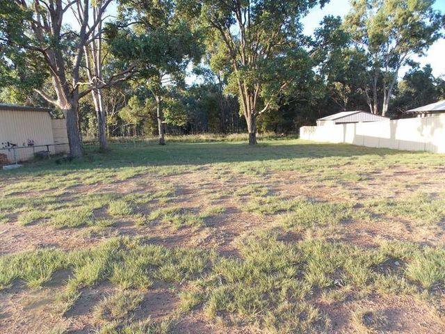 14 Hawthorne St, Nanango QLD 4615