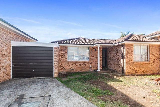 14/4 Sitella Place, Ingleburn NSW 2565