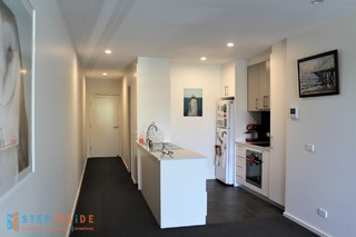 3/109 Canberra Avenue