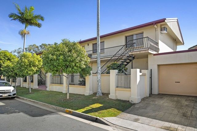 2/29 Mallard Ave, Paradise Point QLD 4216
