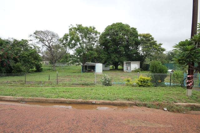 9 Craven Street, Charters Towers City QLD 4820