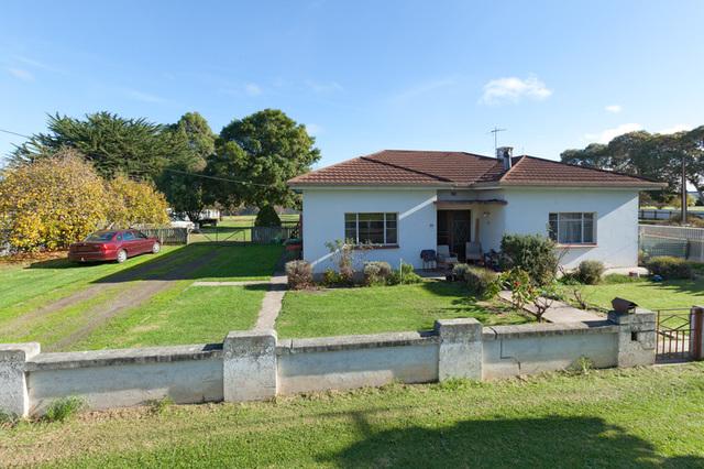 55 Adelaide Road, Millicent SA 5280