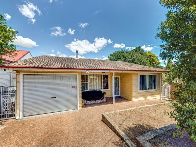70 Gillies Street, Rutherford NSW 2320