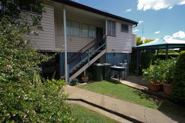 5 Rayleigh Street, Monto QLD 4630