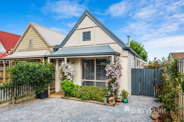 14 Tristan Court, Hadfield VIC 3046