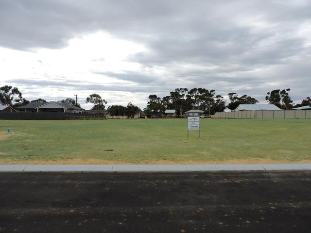 Var Lots Carnaby Place, Moora WA 6510