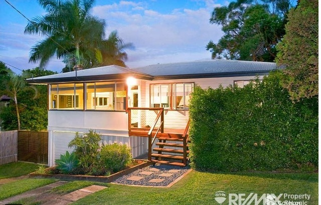 17 Rutherford Street, Stafford Heights QLD 4053