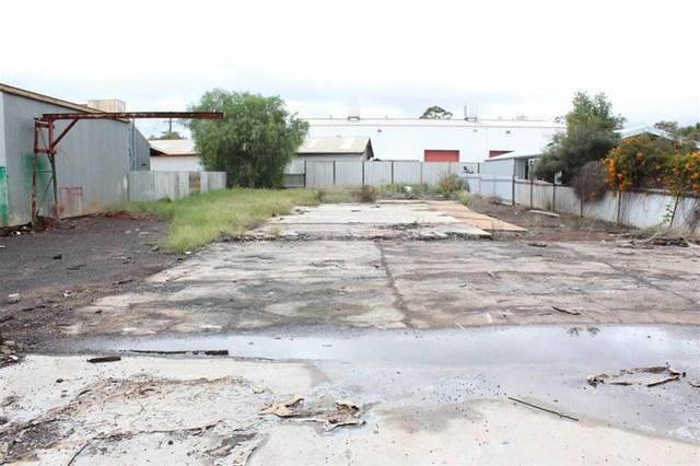 4 Lewis Street, Cobar NSW 2835
