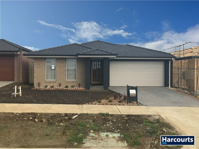 74 Cochin Drive, Clyde North VIC 3978