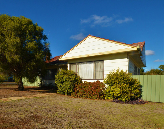 6 Patterson, Forbes NSW 2871