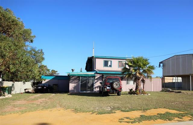 14 McGilp Street, Green Head WA 6514