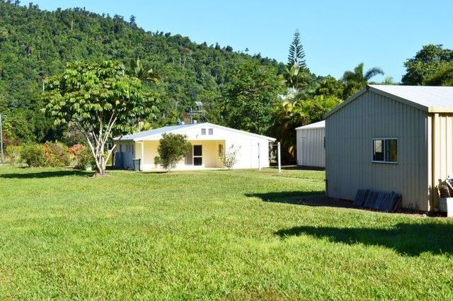 1231 Old Tully Road, QLD 4855