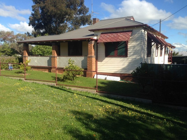 45 South Street, Grenfell NSW 2810