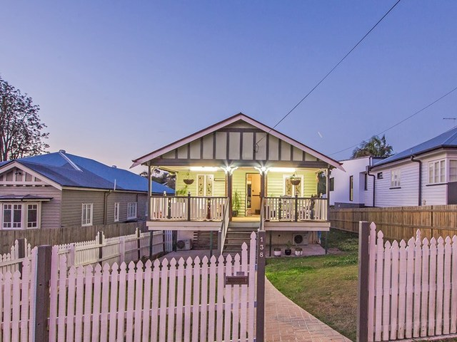 138 MacRossan Avenue, Norman Park QLD 4170