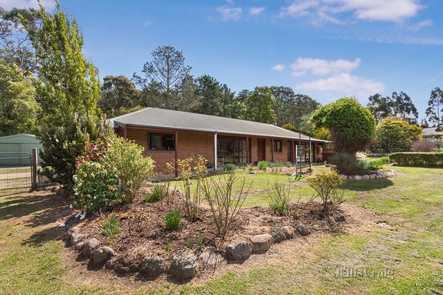 70 Blackmore Road, Woodend VIC 3442