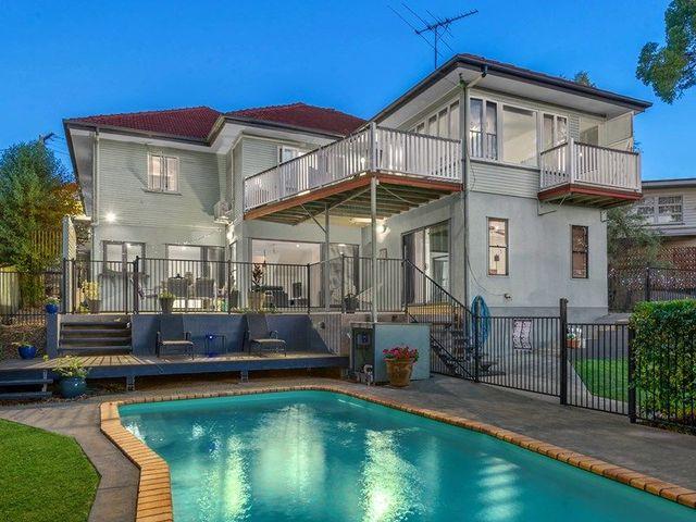 17 Gill Street, Holland Park QLD 4121