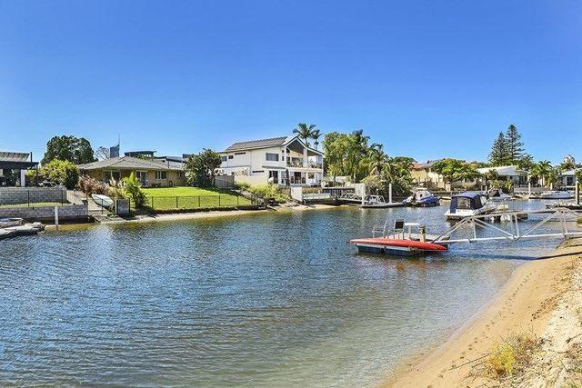 41 Kalimna Drive, Broadbeach Waters QLD 4218