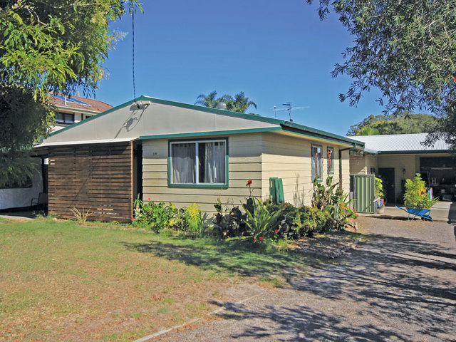 1 & 2/34 Ash Street, Soldiers Point NSW 2317