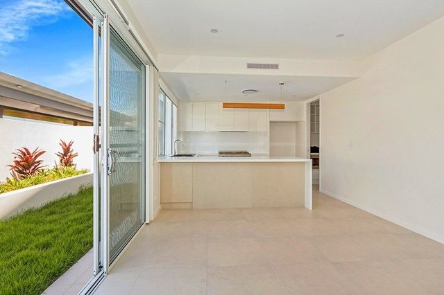 24/14-16 Coral Sea Drive, Pelican Waters QLD 4551