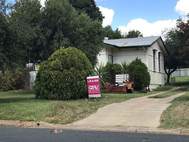 16 Larmer Street, Narrandera NSW 2700