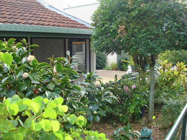 (no street name provided), Ashmore QLD 4214