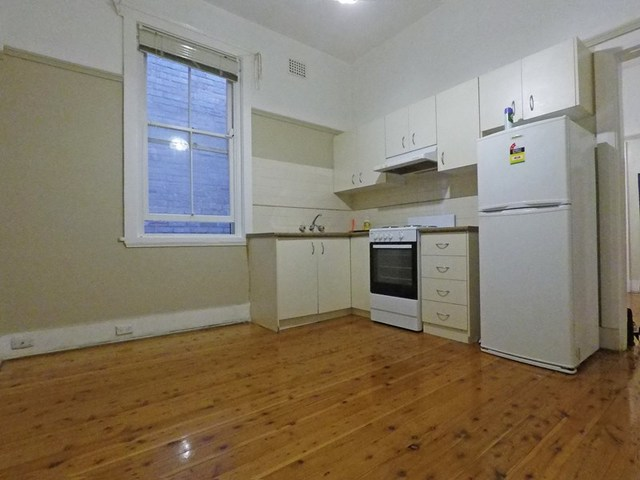11/24 East Crescent St, NSW 2060