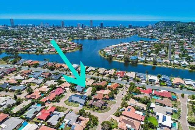 5 Oriole Court, Burleigh Waters QLD 4220