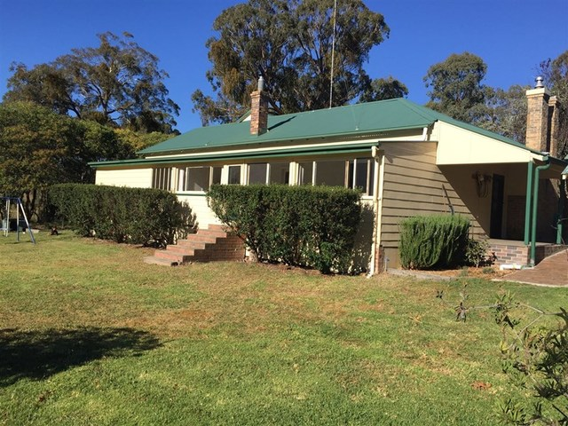 12248 New England Highway, Black Mountain NSW 2365