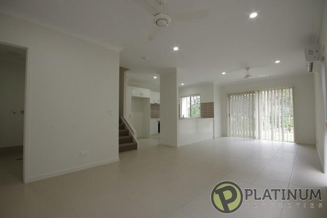 8/23 Oakwood Street, Pimpama QLD 4209