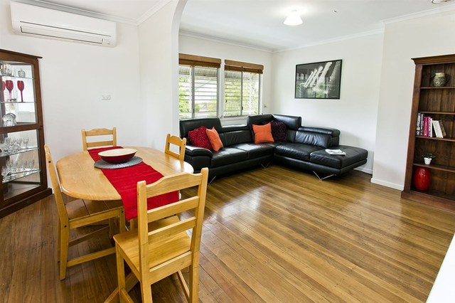 10 Minto Cres, Arana Hills QLD 4054