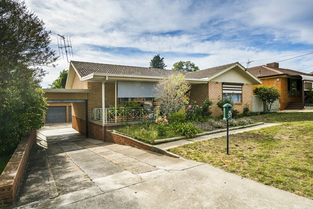 37 Christopher Crescent, NSW 2620