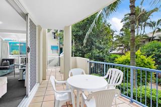 156 'Diamond Beach Resort' 10-16 Alexandra Avenue