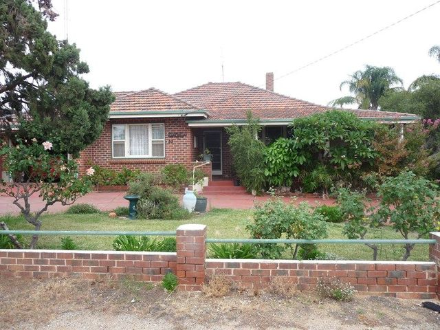 33 Hunt Road, Beverley WA 6304