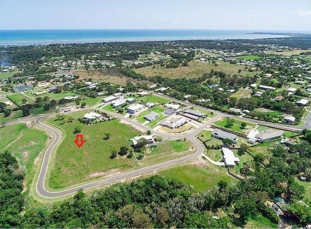 7 Woodgate Avenue, Craignish QLD 4655