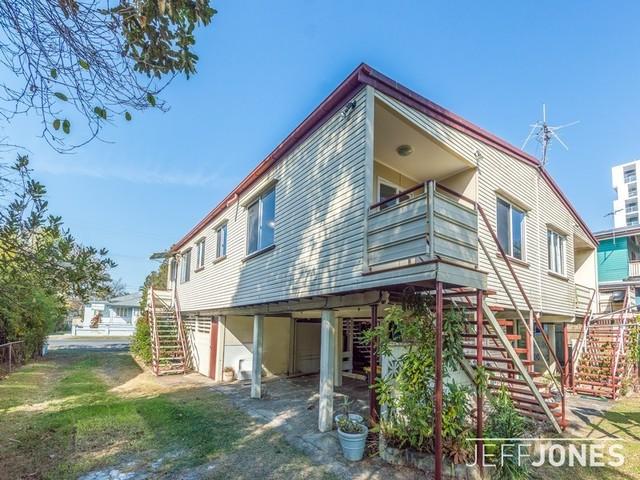 4/99 Cavendish Road, QLD 4151