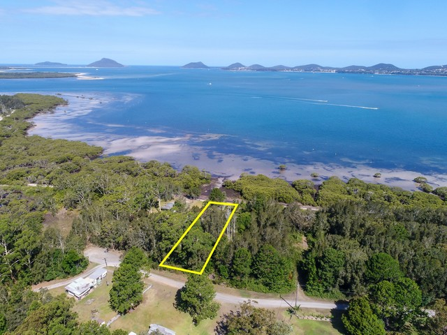 10 Curlew Avenue, NSW 2324