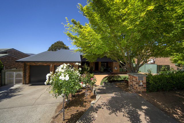 22 Cuthbertson Crescent, Oxley ACT 2903