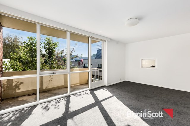 10/76 Mathoura Road, Toorak VIC 3142