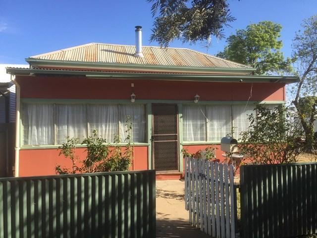 336 Macauley, Hay NSW 2711